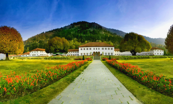 the-lalit-grand-palace-srinagar-1