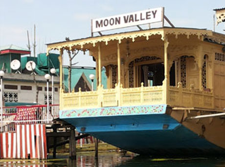 moon-valley-house-boat