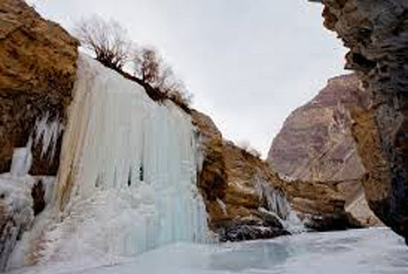 Frozen-Waterfall-Zanskar
