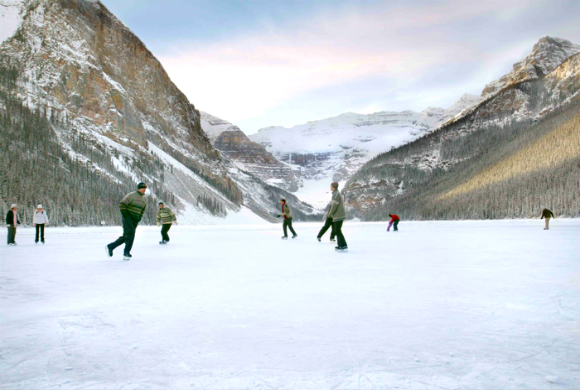 ice-skating-in-ladakh
