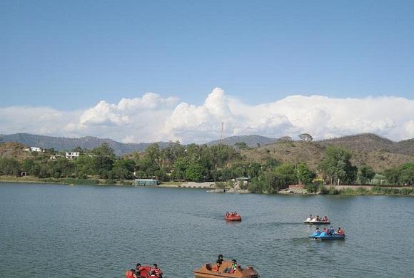 Mansar-Lake-Patnitop-Jammu