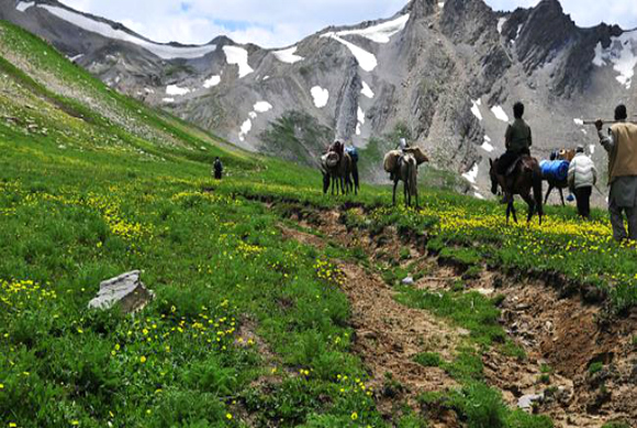 mountaineering-in-kashmir