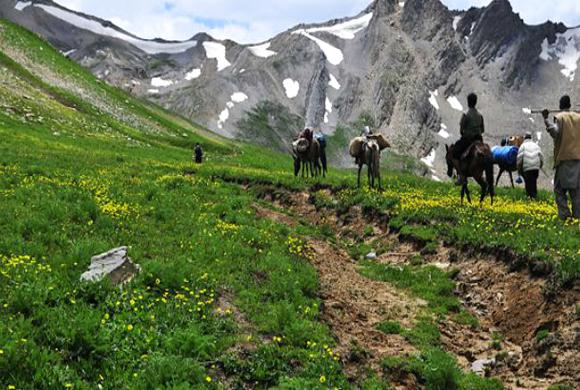 mountaineering-in-kashmir