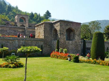 tour-package-pari-mahal-garden-2