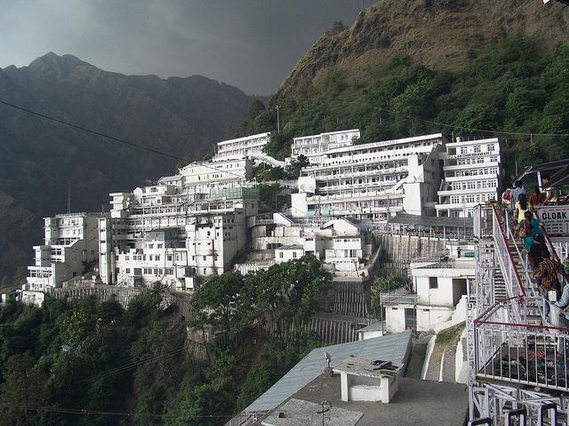 shanti-stupa-ladakh-1