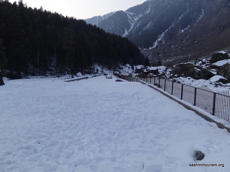 hazratbal-mosque-srinagar-2
