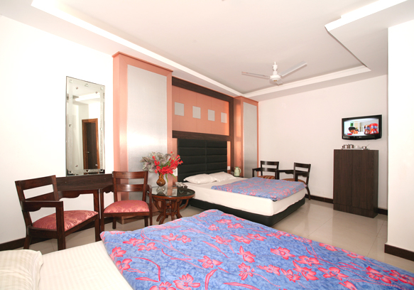 roomsofhotelcharchinar